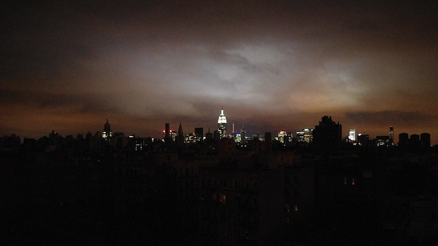 Hurricane_Sandy_Blackout_New_York_Skyline